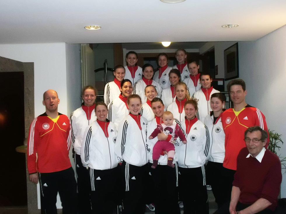 2013_07_17_damen_handballmanschaft